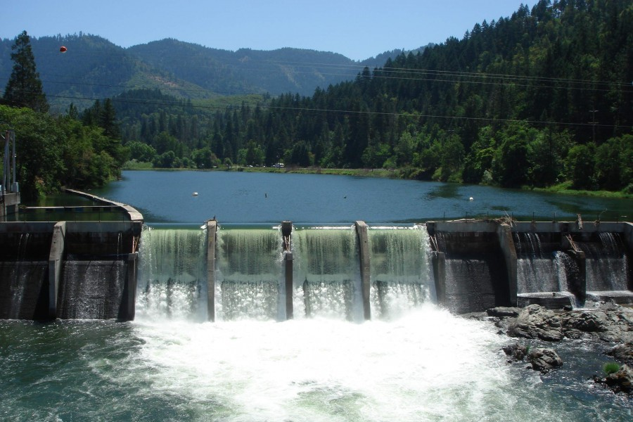 Savage Rapids Dam, Rogue River, OR  Photo: WaterWatch